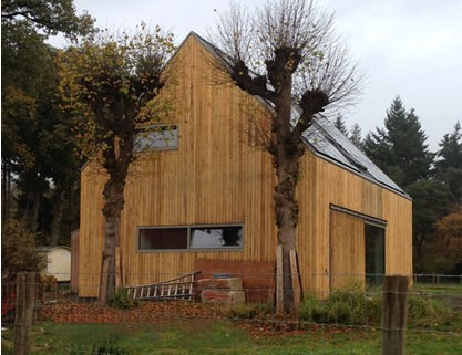 Hout En Beton : Texturen hout en beton u stockfoto tmasters
